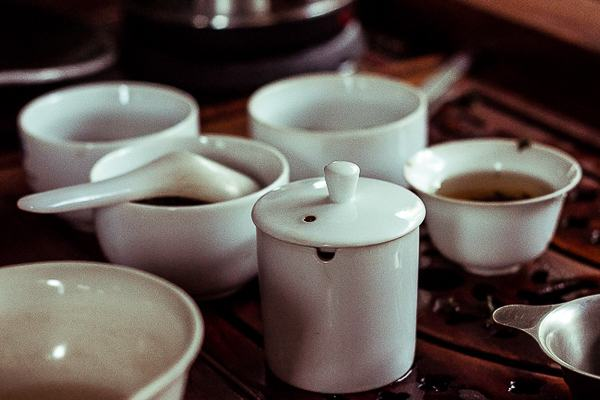 Cupping Oolong Tea