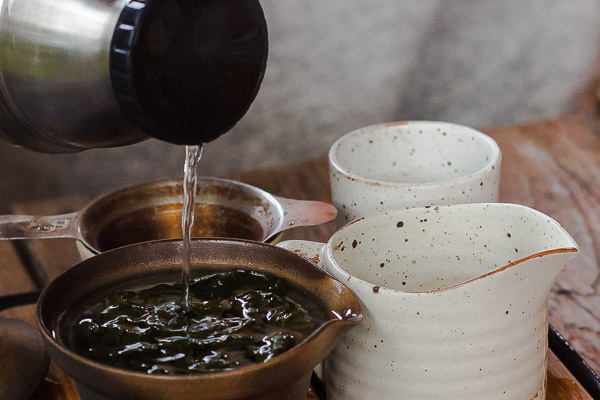 For brewing oolong water temperature should be 85-90°С