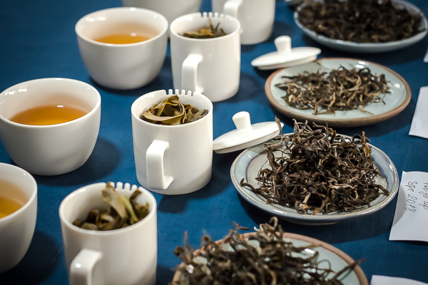 Over-steeping for tea-tasting thai pu-erh's